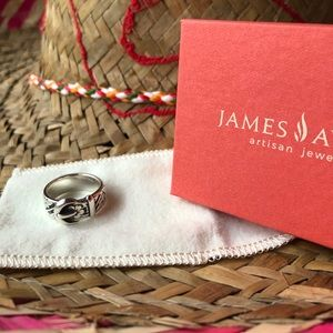 James Avery💐Floral Belt Buckle Ring💐